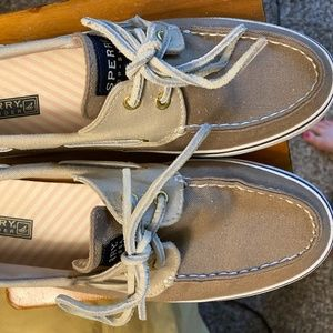 Sperry Boat Shoes Size 9
